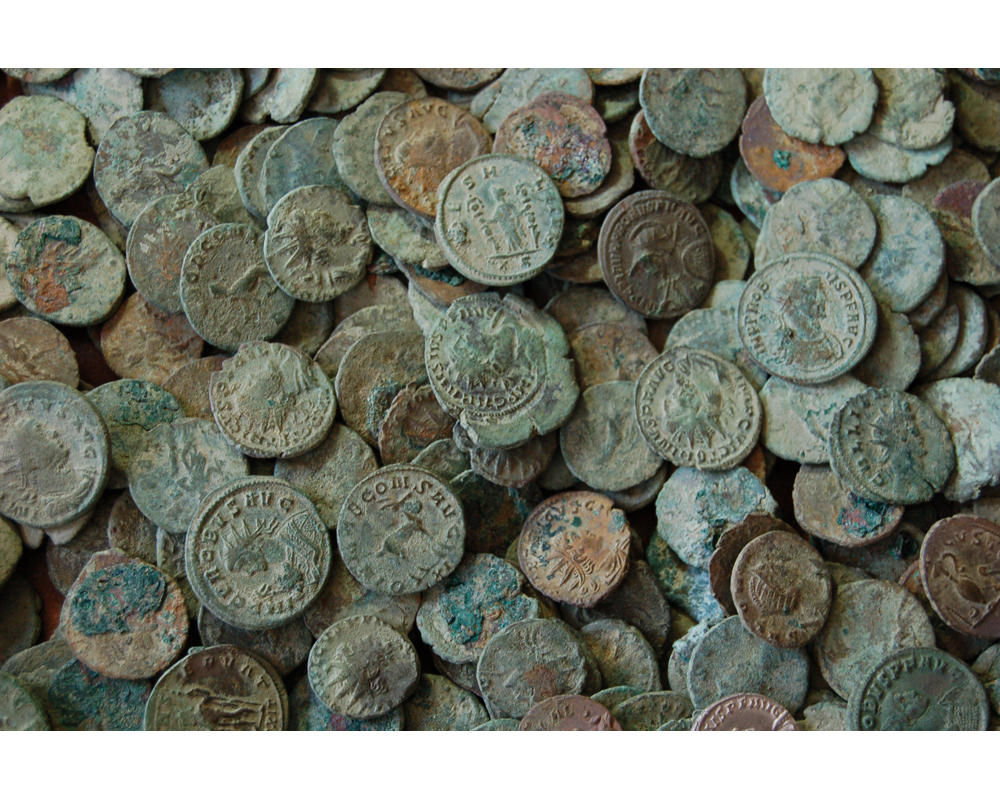 Медные монеты выглядят так