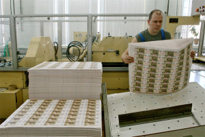 Печать новых банкнот на Монетных дворах