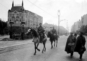 Партизаны на улицах Белграда